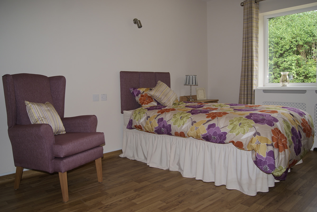 the-limes-care-home-bedroom-2
