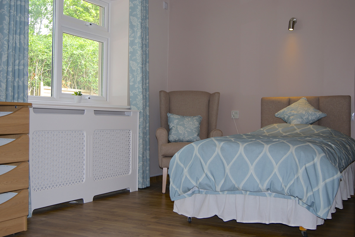 the-limes-care-home-bedroom-3